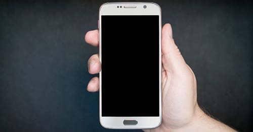 Por qué se congela la pantalla de mi celular
